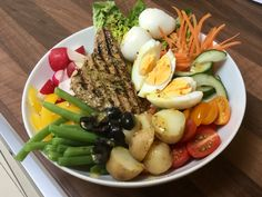 Tuna Nicoise Salad Bowl - Low Carb Bowl food – I love Bowl food and this time of year it's got to be Eat The Rainbow salad – today Tuna Nicoise Salad with Homemade Bread  I am using Iceland frozen Tuna Steaks (def…
