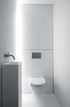 Space Saving Toilet Design for Small Bathroom - Home to Z In the event that you are one of the a huge number of individuals around the globe who needs to bear the claustrophobia of a little restroom, help is within reach. Modern Small Bathrooms, Bathroom Design Small, Bathroom Interior Design, Modern Bathroom, Remodled Bathrooms, Vanity Bathroom, Modern Toilet Design, White Bathrooms, Shower Bathroom