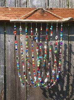 Wall hanging driftwood wind chimes 29 ideas for 2019 Beach Crafts, Fun Crafts, Arts And Crafts, Stick Crafts, Mobiles, Driftwood Projects, Driftwood Art, Wire Crafts, Jewelry Crafts