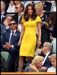 The best moments of Kate Middleton from the year 2018 Let's look at the style of the Duchess of Cambridge last year under the Duke's roof on her birthday. Von Julia Brucculieri Julia Brucculieri By Julia . Style Kate Middleton, Kate Middleton Dress, Style Royal, Royal Look, Royal Albert Hall, Jenny Packham, Prince William And Kate, William Kate, Buckingham Palace