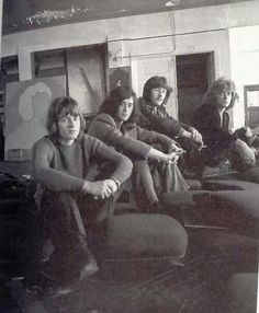 Led Zeppelin, the early days. Look how young they are!  #LedZeppelin