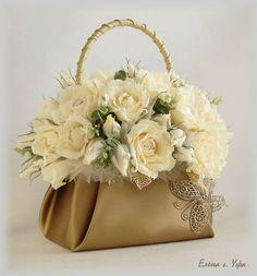 1 million+ Stunning Free Images to Use Anywhere Flower Bag, Flower Boxes, My Flower, Flower Basket, Deco Floral, Arte Floral, Floral Design, Floral Centerpieces, Floral Arrangements