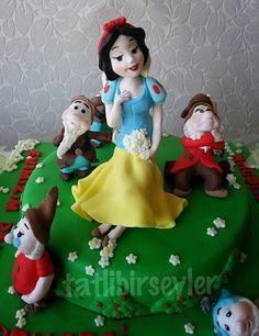 Tatlıbirşeyler: Pamuk prenses ve yedi cüceler