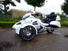 Sturgis Trike R18 white pearl 2014 model