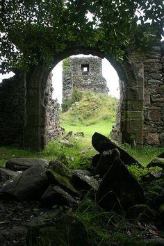 Toward Castle by Tom Parnell