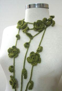 Crochet Green Lariat Hand Crocheted Lace Scarf Scarflette Necktie Necklace Green Arcylic Yarn Rose Cable