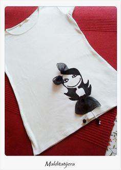 Malditatijera Camisetas y Broches originales