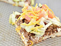 Weight Watchers Taco Pizza – BEST WW Sheet Pan Pizza Recipe – Dinner – Lunch – Treat – Appetizers - Snack with Smart Points Ww Recipes, Pizza Recipes, Dinner Recipes, Weight Watchers Snacks, Weight Watcher Dinners, Sheet Pan Pizza Recipe, Recipe Sheet, Taco Pizza, Good Pizza