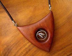 Dřevěný šperk - mahagon a ocel