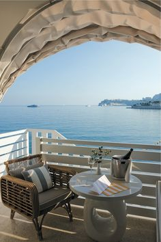 Monte Carlo Beach Hotel terrasse chambre executive vue mer by KomingUP