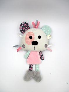 a7a897626b1c7 Doudou peluche ours panda, tissu minky coton polaire, gris bleu rose,  personnalisable en couleur, fleur triangle