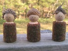 I would love to make some simple nature-inspired peg dolls like these for outdoor play