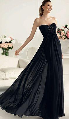 Vestido fiesta negro escote corazón Palabra de www.palmiracompilar.com #homenajeatuangel