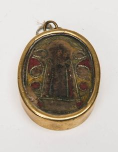 A reliquary in brass frame, Spanish, 18th century, 7 x 5.5 cm - Religious - Other - Precious Objects - Carter's Price Guide to Antiques and Collectables
