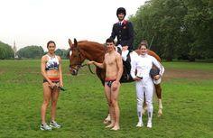 Los atletas ingleses Kate French, James Cooke, Joe Choong y Samantha Murray posan, durante un anuncio, como los representantes del Pentatlón Moderno de Gran Bretaña para los Juegos Olímpicos de Río 2016