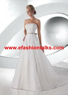 Style 52023 » Limited Edition » Wedding Gowns » DaVinci Bridal » Available Colours : Ivory/Palomino, White/White