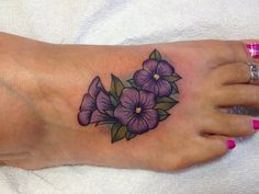 What does violet flower tattoo mean? We have violet flower tattoo ideas, designs, symbolism and we explain the meaning behind the tattoo. Tattoos Skull, Girly Tattoos, Pretty Tattoos, Foot Tattoos, Cute Tattoos, Beautiful Tattoos, Body Art Tattoos, Key Tattoos, Sleeve Tattoos