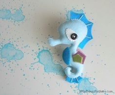The Seahorse PDF pattern-Sea animals toy-DIY-Baby's mobile toy-Felt Seahorse ornament - Sewing Patterns at Makerist Sewing Stuffed Animals, Stuffed Toys Patterns, Baby Shower Favors, Baby Shower Gifts, Diy Toys, Toy Diy, Needle Felting Tutorials, Felt Diy, Love Sewing