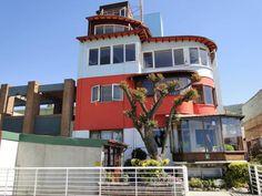 La Sebastiana, casa de Pablo Neruda em Valparaíso, Chile Pablo Neruda, America, Mansions, House Styles, Chile, Home Decor, Travel Tourism, Museum, Viajes
