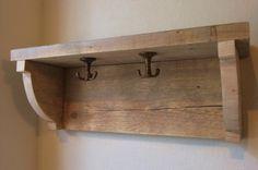 Bijzondere kapstok gemaakt van #steigerhout. Scaffolding Wood, Scaffold Boards, Pallet Boards, Repurposed Wood, Bathroom Hooks, Wood Crafts, Sweet Home, Shelves, Rustic
