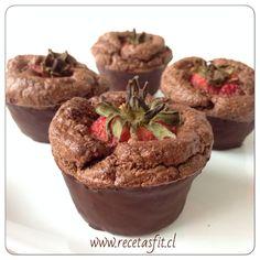 Cupcake de chocolate y frutillas (fresas) - sweetfran