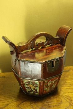 Chinese Antique Wooden Bucket With Locking Lid for Tea Pot Warming