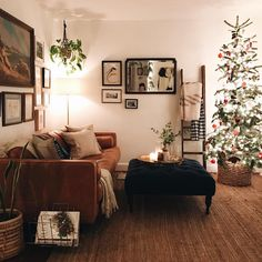 "5,203 Likes, 83 Comments - Jordana Nicholson (@jordanaclaudia) on Instagram: ""It doesn't get much cozier than this We love us some Christmas. Now, I just need to refrain from…"""