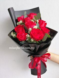 Felt Flowers, Diy Flowers, Flower Bouqet, Hand Tied Bouquet, Valentines Flowers, Luxury Flowers, Flower Aesthetic, Flower Designs, Floral Arrangements