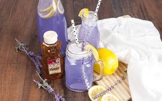 When you want to relax after a long day, this Honey Lavender Lemonade will refresh you & surprise you by how it perfectly combines sweet and floral flavors!