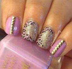 Glitter animal print nails by @_juliamartinez