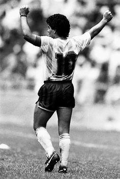 Diego Armando Maradona- the best ever Football Kits, Sport Football, Messi Neymar, Diego Armando, Lionel Messi Barcelona, Football Images, Most Popular Sports, Best Player, Sport Man