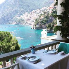 Villa Tre Ville a Positano - Salerno - Pinned Amalfi Coast Italy, Positano Italy, Travel Around The World, Around The Worlds, Wow Travel, Places To Travel, Places To Visit, Paradis, Beach Hotels