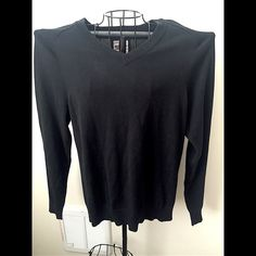 Old Navy men's sweater Light weight. 100% Cotton. NO TRADES  ALL REASONABLE OFFERS ARE ACCEPTED  NO LOWBALLERS!!! ✌️✌ LET'S BUNDLE!!!!  Old Navy Sweaters