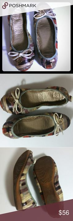 Ballet leather flat shoes Minimal wear, very comfortable shoes. Normal wear on heels ,otherwise in great condition. Shoes Flats & Loafers