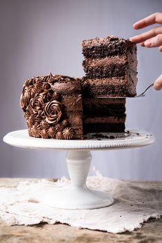 14 Delectable Chocolate Desserts For the Keto Diet. When looking for Keto Desserts, I am still drawn to chocolate first. Keto Chocolate Recipe, Healthy Chocolate, Chocolate Desserts, Chocolate Tiramisu, Gluten Free Chocolate Cake, Cake Chocolate, Low Carb Desserts, Gluten Free Desserts, Low Carb Recipes