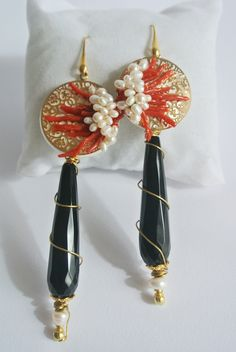 Check out our dangle & drop earrings selection for the very best in unique or custom, handmade pieces from our shops. Coral Earrings, Coral Jewelry, Women's Earrings, Cluster Earrings, Jewelry Crafts, Jewelry Art, Jewelry Design, Jewelry Accessories, Artisan Jewelry