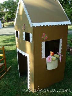 "Summertime fun: make a recycled playhouse and let your kids have a ""house painting"" playdate!"