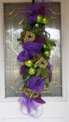 Maradi grass wreaths | Mardi Gras Swag Wreath SALE by lajoliebelle on Etsy