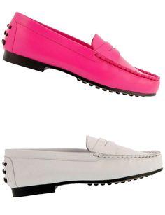 Paula Alonso http://www.marie-claire.es/moda/accesorios/fotos/zapatos-planos-verano-2014-por-los-que-renunciaras-al-tacon/paula-alonso