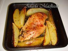 Frango ao alecrim e batatas assadas