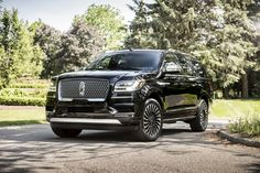 Edmunds has detailed price information for the Used 2018 Lincoln Navigator SUV. Save money on Used 2018 Lincoln Navigator SUV models near you. Luxury Hybrid Cars, Best Luxury Cars, Luxury Suv, Lincoln Suv, New Lincoln, Lincoln Road, 2018 Lincoln Navigator, Most Reliable Suv, Best Compact Suv