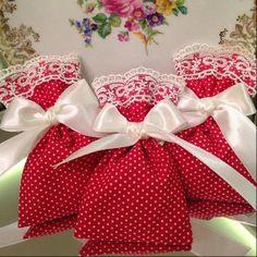 Kına Poşeti Henna Night, Red Gingham, Treat Bags, Wedding Accessories, Weeding, Sewing Crafts, Costa, Bridal Shower, Needlework