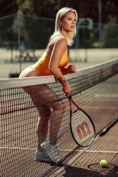 Modelos Fitness, Warriors Shirt, Tennis Players Female, Athletic Girls, Fitness Photoshoot, Sports Stars, Blonde Beauty, Sport Girl, Sports Women