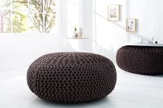 Dizajnovýveľký taburet hnedý. Leeds, Poufs, Browning, Outdoor Furniture, Outdoor Decor, Decoration, Bean Bag Chair, Ottoman, Design