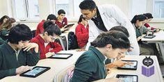 Öğretmen Yetiştirme ve Geliştirme Genel Müdürü Semih Aktekin, öğretmen adaylarına gelecekte iş bulma sıkıntısı çekecekleri uyarısında bulundu. Çeşitli alanlarda lisans öğrencileri ve eski mezunlarla birlikte 1 milyon öğretmen adayının atama için beklediğini, ihtiyacın ise 100 bin civarında olduğunu söyleyen Aktekin, bu adayların başka iş alanlarına yönelmesi gerektiğini belirtti.  Milli Eğitim Bakanlığı (MEB) Öğretmen Yetiştirme ve Geliştirme Genel Müdürü Doç. Dr. Semih Aktekin, 1 milyon…