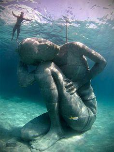 'Ocean Atlas' by @JasondeCairesT is the largest sculpture ever deployed underwater.
