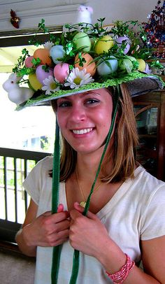 Caroline modeling Easter Bonnet | Flickr: Intercambio de fotos