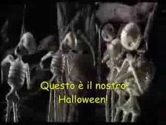 ▶ This Is Halloween (Italian - Lyrics on screen!) - YouTube