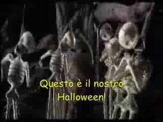 ▶ This Is Halloween (Italian - Lyrics on screen!) - YouTube