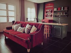 Living room - Christmas color Christmas Colors, Couch, Living Room, Interior Design, Furniture, Home Decor, Nest Design, Settee, Decoration Home
